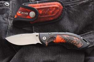 Buck Folding Omni Hunter® 10 Blaze Camo Avid 0396CMS9-B