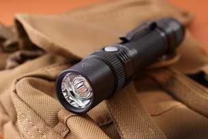 Fenix Фонарь Fenix FD30 Cree XP-L HI LED