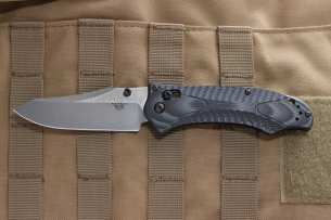 Benchmade Rift Textured Black & Gray G-10